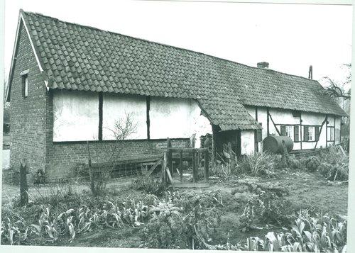 Diepenbeek Kastanjelaan 50 woonhuis en stallingen