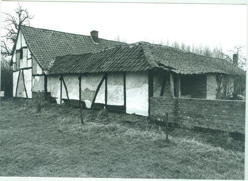 Diepenbeek Kastanjelaan 50 achtergevels stallingen