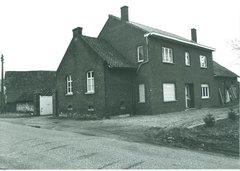 Diepenbeek Lutselusstraat 14 (https://id.erfgoed.net/afbeeldingen/166227)