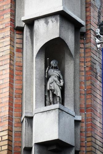 Mechelen_Caputsteenstraat_hoek_Sint-Gommarusstraat_straatbeeld_02