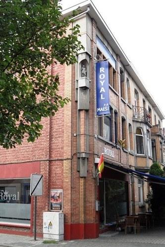 Mechelen_Caputsteenstraat_hoek_Sint-Gommarusstraat_straatbeeld_01