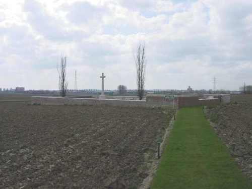 Boezinge: No Man's Cot Cemetery: Ligging