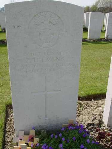 Boezinge: Artillery Wood Cemetery: graf Hedd Wyn