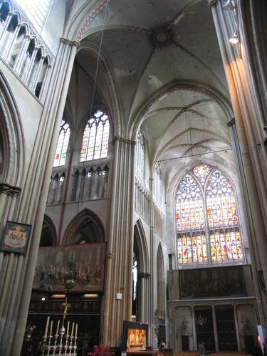 Brugge Sint-Salvatorskerkhof zonder nummer Interieur van de kerk