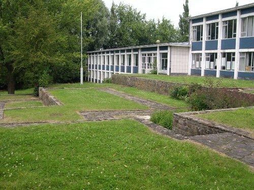 Domein Vijverbeek, schoolgebouw