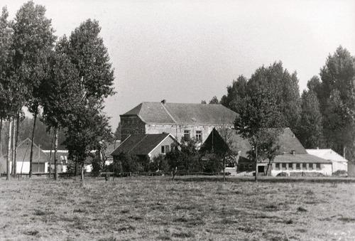 Het 'kasteeltje' Diepensteyn vanuit het zuidwesten voor de restauratie