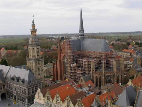 Veurne Sint-Walburgapark zonder nummer Sint-Walburgakerk