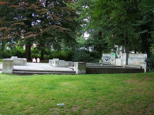 Antwerpen Mechelsesteenweg 216 Monument Peter Benoit