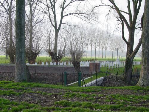 Elverdinge: Hospital Farm Cemetery