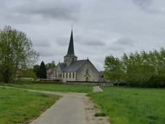 Parochiekerk Sint-Lambertus met kerkhof en Lourdesgrot