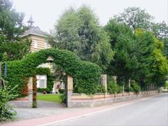 Villa Sint-Franciscus-Xaverius met tuin en het park van Relst