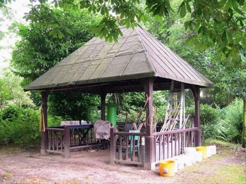 Het door Hobé ontworpen paviljoen in de achtertuin van Villa Sunnyside