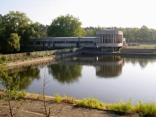 Het zwembad en de cafetaria 67 jaar later