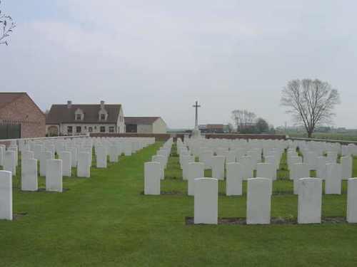 Elverdinge: Hagle Dump Cemetery: overzicht