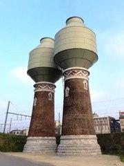 Twee watertorens
