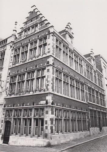 Gent Predikherenlei 1, Jan van Stopenberghestraat 2