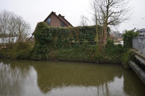 Dam 73, Lochristie