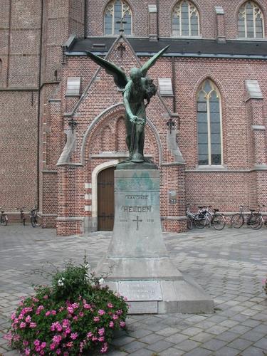 Lommel Kerkplein Oorlogsmonument