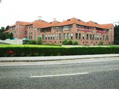 Gebouwencomplex met kantoren en telefooncentrale