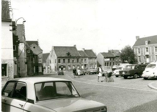 Grimbergen Kerkplein 4-3-2