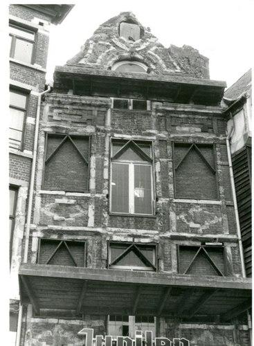 Leuven Vismarkt 6