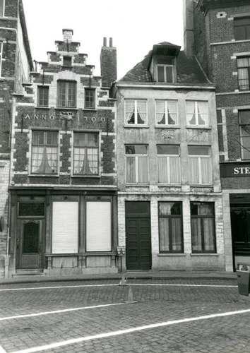 Leuven Vismarkt 8-9