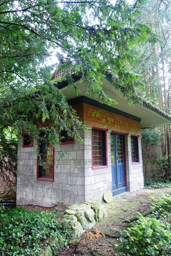 Sint-Niklaas Belsele Groenhof theehuis op een kunstmatige heuvel