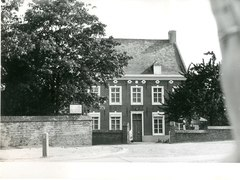Pastorie Sint-Pietersparochie met tuin