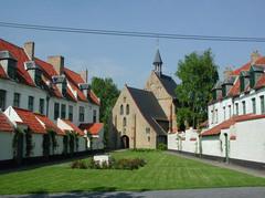 Diksmuide Begijnhofstraat 2 Begijnhof (https://id.erfgoed.net/afbeeldingen/19840)