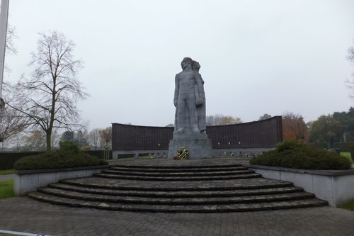 Antwerpen Dokter Donnyplein zonder nummer Oorlogsmonument