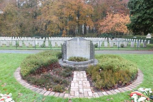 Antwerpen Reigershoek zonder nummer Perk 1 gedenksteen