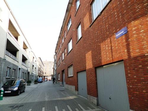 Mechelen Spiegelstraat Zicht van de De Langhestraat naar de Korenmarkt
