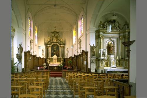 Lochristi Dekenijstraat zonder nummer Interieur van de Sint-Nicolaaskerk