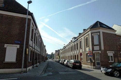 Mechelen Veldenstraat Arbeiderswonignen en rechts hoekhuis nummer 55