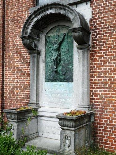 Mechelen Wolverbosstraat 42 Monument voor de gesneuvelden