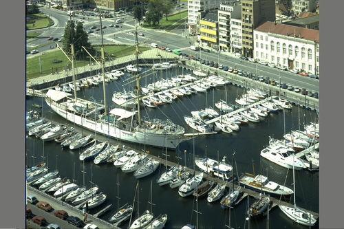 De Mercator in de jachthaven van Oostende in 1988