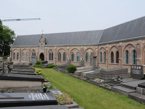 Gent Mariakerkeplein Kerkhof en neogotische kerkhofgalerij