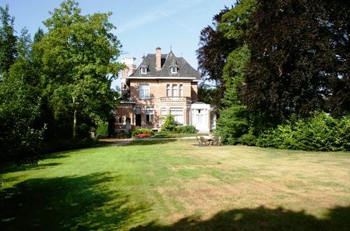 Tuinzijde van de villa Persoons