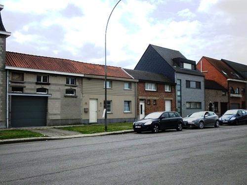 Mechelen Slachthuislaan Arbeidershuisjes aan pare zijde