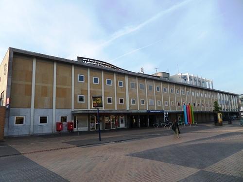 Mechelen Koning Albertplein Station in vooraanzicht