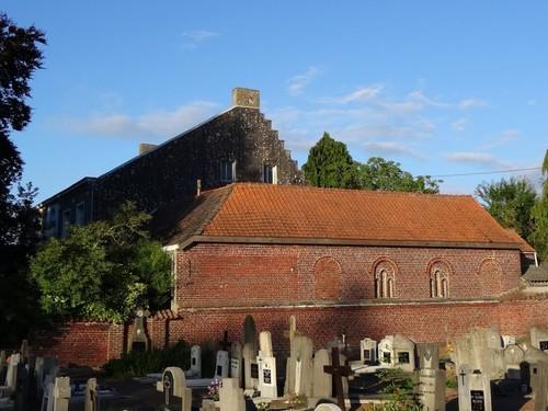 Roosdaal Oudekerkweg 3 zicht vanop kerkhof
