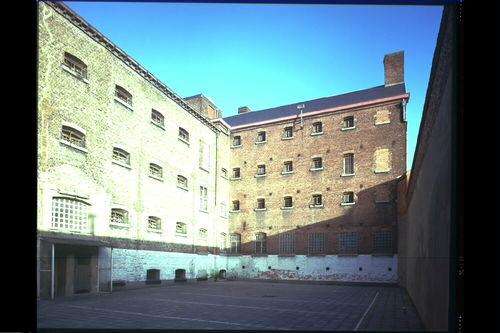 Het Pandreitje, historisch gevangenisgebouw: exterieur, cellen en binnenkoer (gesloopt in 1992)