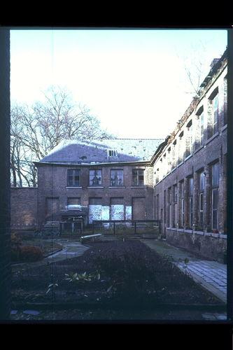 Het Pandreitje, historisch gevangenisgebouw: exterieur, verval (gesloopt in 1992)