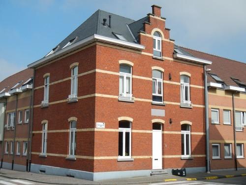 Lierde Hekkouterstraat 1, Buurthuisplein 2