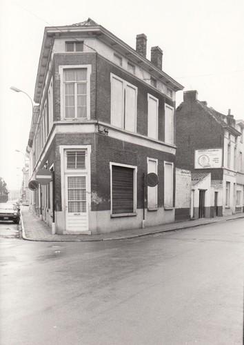 Gent Gentbrugge hoek Kerkstraat en Louis Van Houttestraat