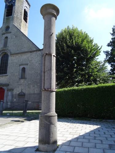 Aalst Gijzegem-Dorp zonder nummer Schandpaal bij kerk