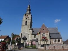 Parochiekerk Sint-Aldegonde met ommuurd kerkhof