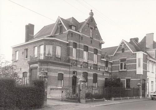 Gent Mariakerke Sint-Corneliusstraat 1-3 (anno 2014 niet langer bewaard)