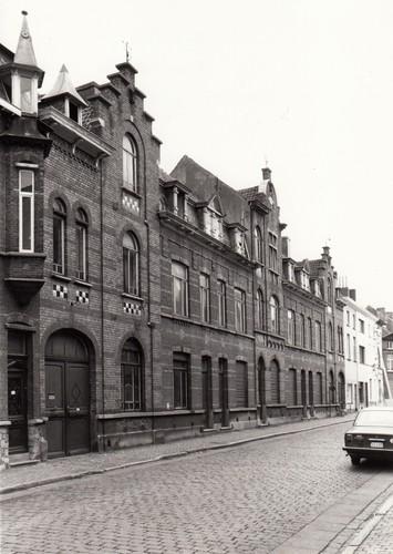 Gent Sint-Amandsberg Kunstenaarstraat 68-80