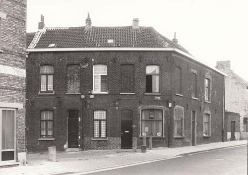 Gent Sint-Amandsberg Slokkeboomstraat, hoek Azaleastraat